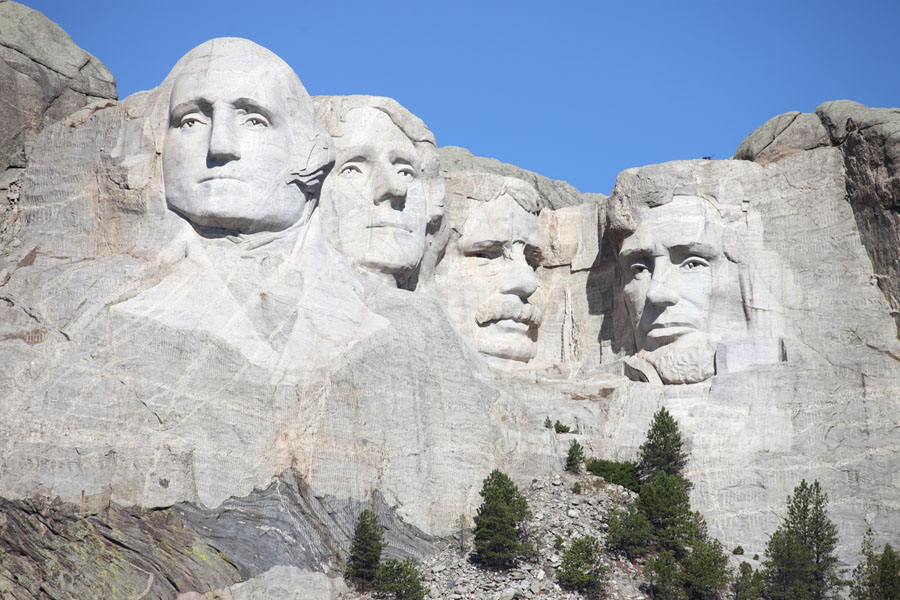 Mount Rushmore And Rocky Mountain Tour
